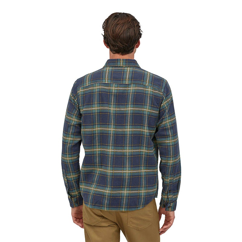 Patagonia Men's Long-Sleeved Lightweight Fjord Flanel Shirt - LNNA Lawrence: New Navy alternate 38510